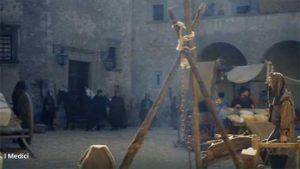 """""""I Medici"""" s02e04: la piazza di Volterra"""