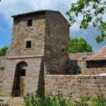 la chiesa medievale di San Giuliano nel parco di Marturanum