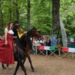 dama e cavaliere allo sposalizio dell'albero a Vetralla