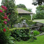 i giardini di Palazzo Patrizi mentre ospitano la Festa delle Rose
