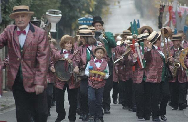 l'associaizone folkloristica Racchia di Vejano in concerto