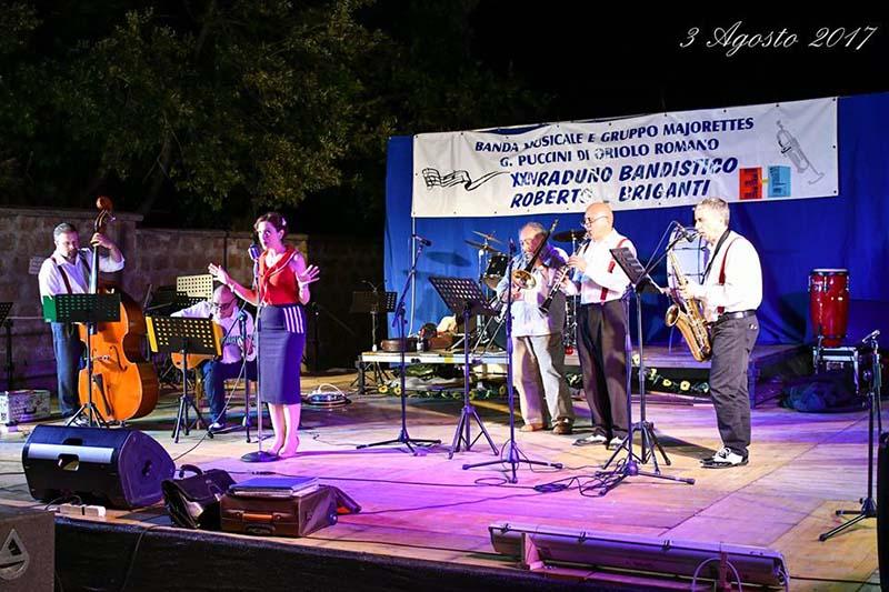 l'esibizione della banda musicale di Oriolo Romano durante la sagra del lombrichello