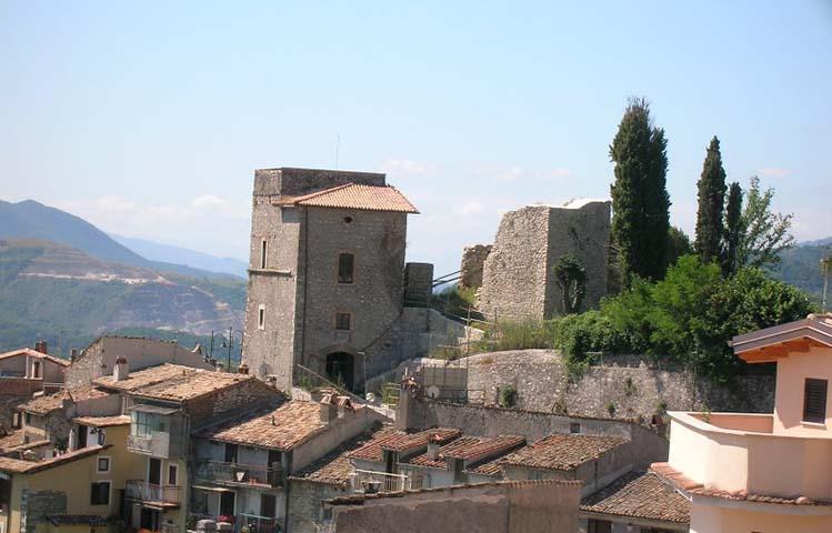 il castello Borghese di Vivaro Romano