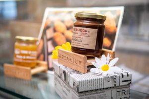 confezione di miele alla cannella